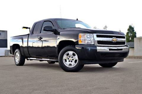2009 Chevrolet Silverado 1500 for sale at La Familia Auto Sales in San Jose CA