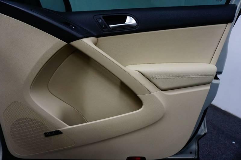 2014 Volkswagen Tiguan R-Line 4dr SUV - Springfield MO
