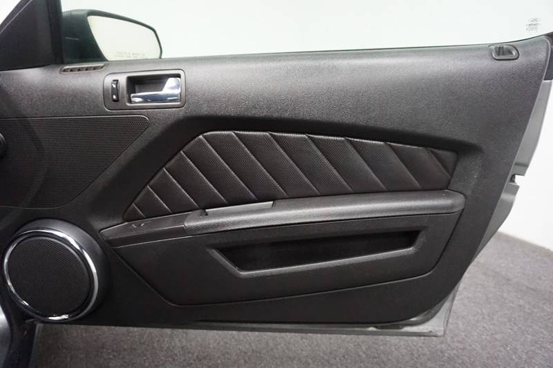 2010 Ford Mustang V6 Premium 2dr Convertible - Springfield MO