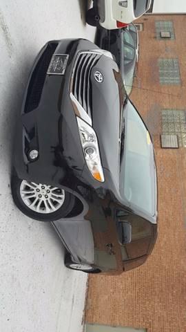2011 Toyota Sienna for sale in Villa Park, IL