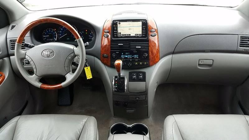 865513141 - 2010 Toyota Sienna Limited Awd