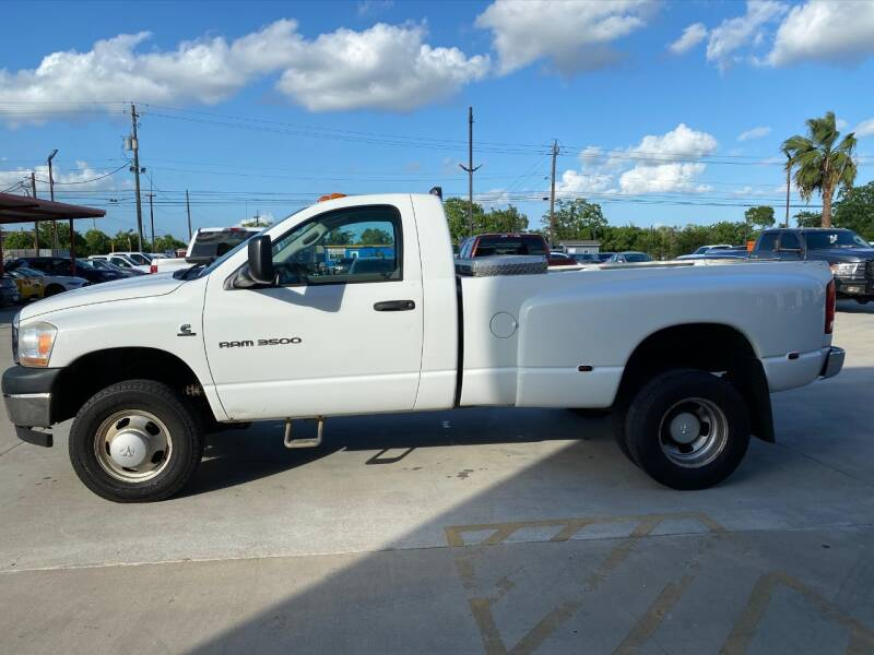 2006 Dodge Ram Pickup 3500 4x4 ST 2dr Regular Cab 8 ft. LB DRW Pickup - Houston TX