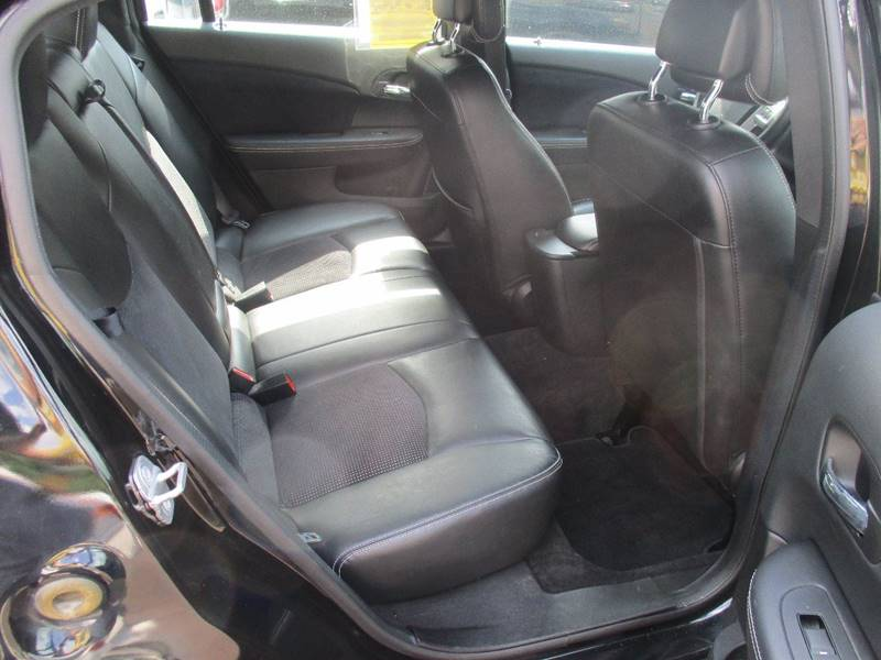 2014 Chrysler 200 Limited 4dr Sedan - Gilbertsville PA