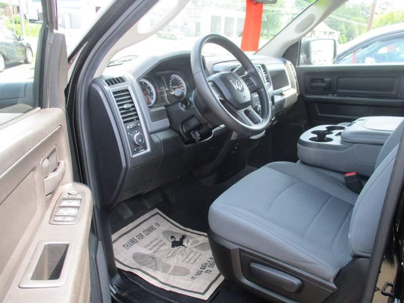 2014 RAM Ram Pickup 1500 4x4 Express 4dr Quad Cab 6.3 ft. SB Pickup - Gilbertsville PA