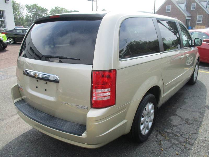 2010 Chrysler Town and Country LX 4dr Mini-Van - Gilbertsville PA
