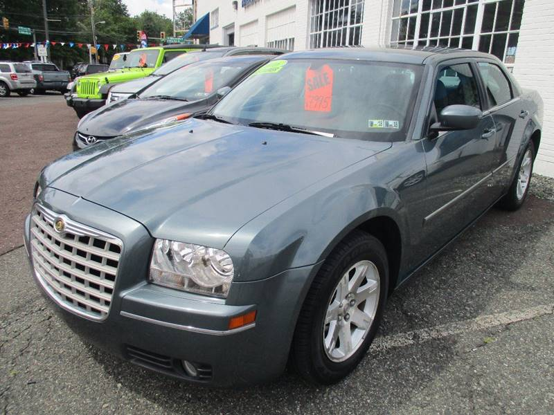 2006 Chrysler 300 Touring 4dr Sedan - Gilbertsville PA