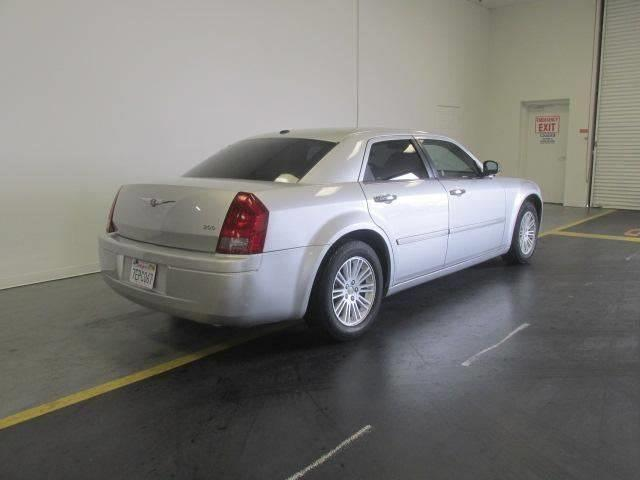 2006 Chrysler 300 4dr Sedan - Anaheim CA