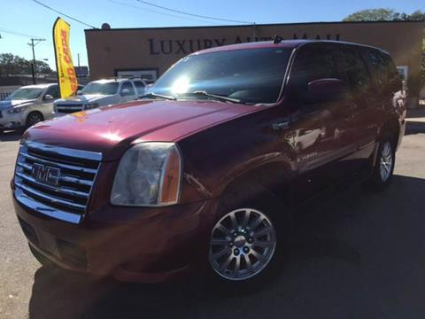 2008 GMC Yukon for sale at LUXURY AUTO MALL in Tampa FL