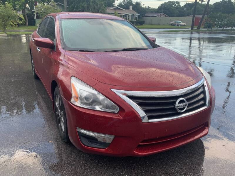 2015 Nissan Altima for sale at LUXURY AUTO MALL in Tampa FL