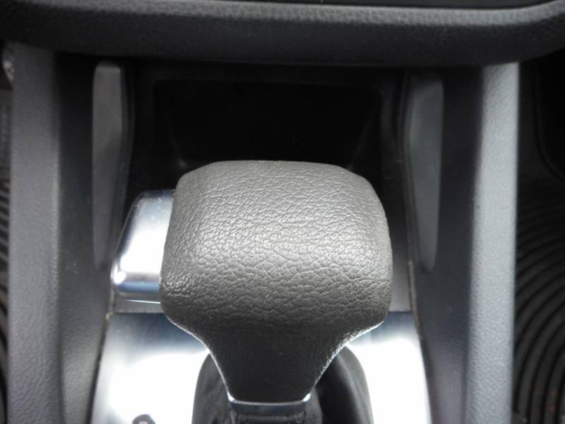 2009 Volkswagen Jetta S PZEV 4dr Sedan 6A - Waltham MA