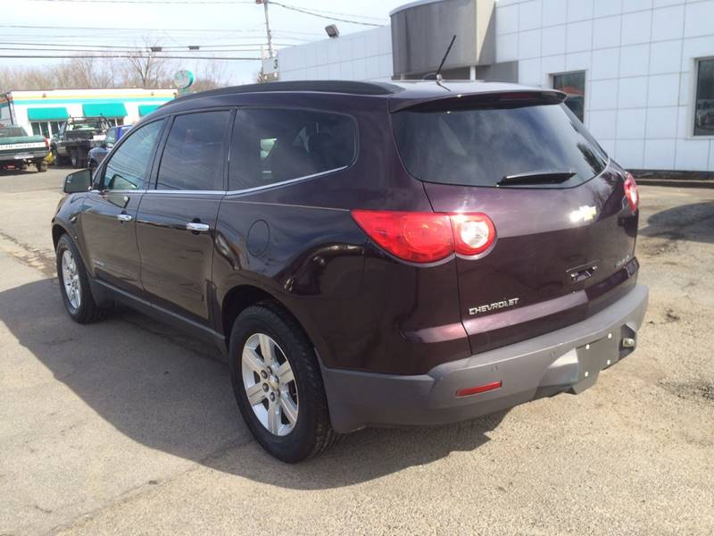 2009 Chevrolet Traverse AWD LT 4dr SUV w/2LT - Central Square NY