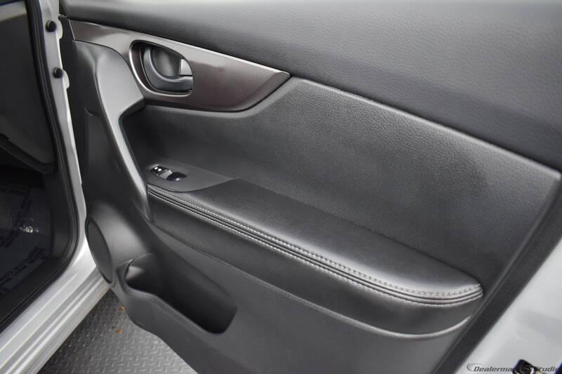 2019 Nissan Rogue Sport S (image 26)