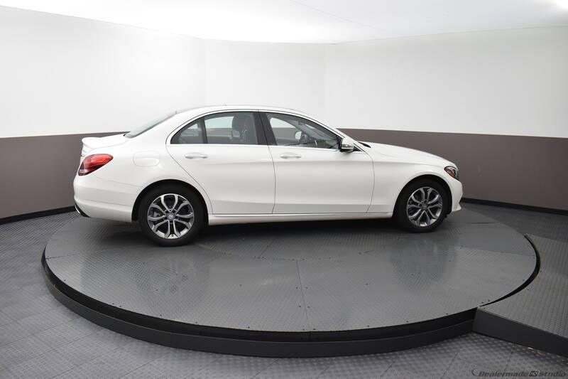 2016 Mercedes-Benz C-Class (image 5)