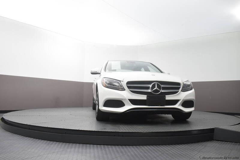 2016 Mercedes-Benz C-Class (image 19)