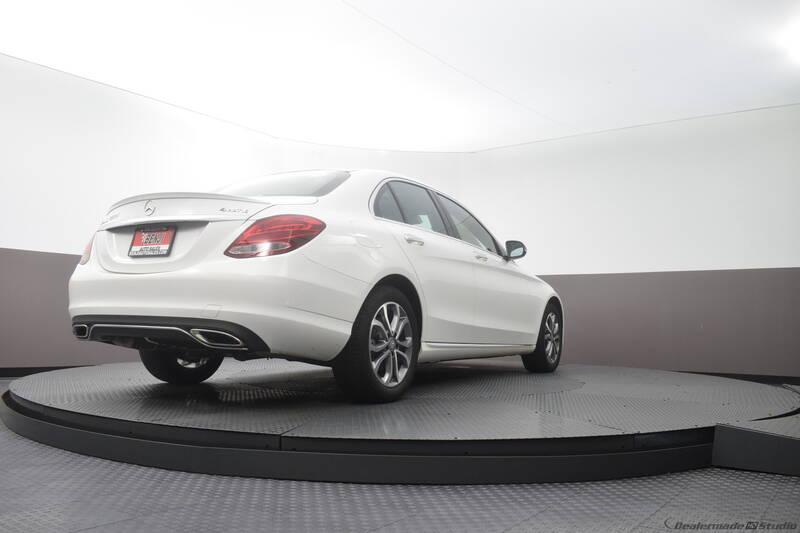 2016 Mercedes-Benz C-Class (image 18)