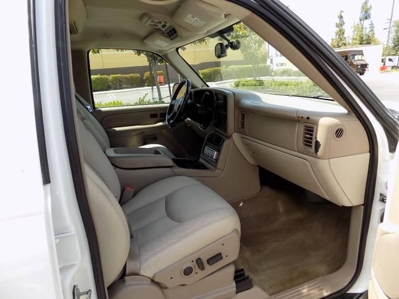 2004 Chevrolet Suburban 1500 LT 4dr SUV - Buena Park CA