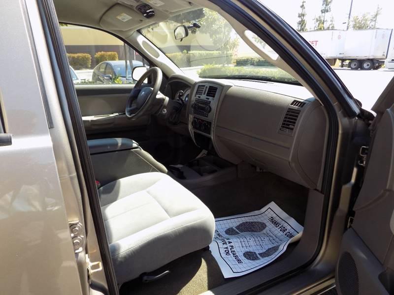 2006 Dodge Dakota SLT 4dr Quad Cab SB - Buena Park CA
