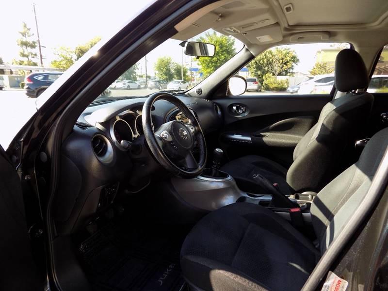 2011 Nissan JUKE SV 4dr Crossover 6M - Buena Park CA