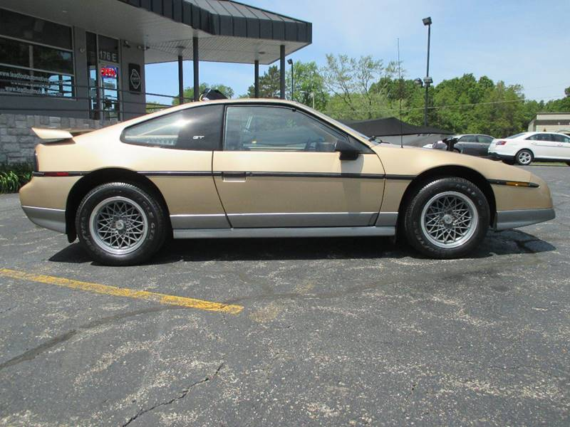 1986 Pontiac Fiero GT 2dr Coupe - Holland MI
