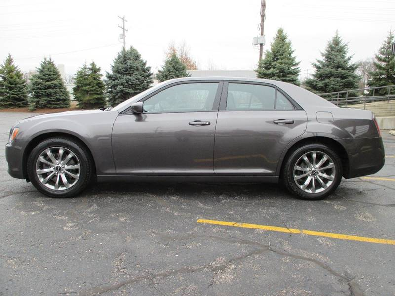2014 Chrysler 300 AWD S 4dr Sedan - Holland MI