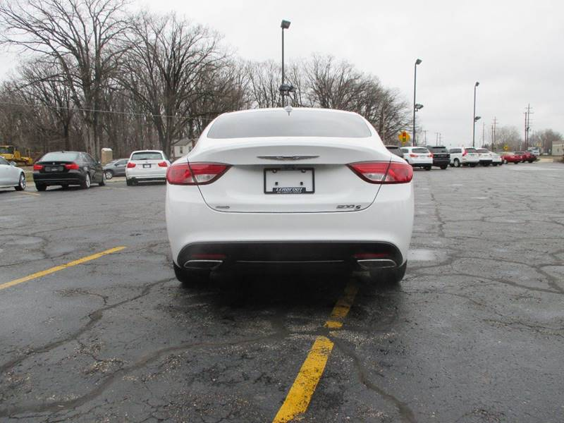 2015 Chrysler 200 AWD S 4dr Sedan - Holland MI
