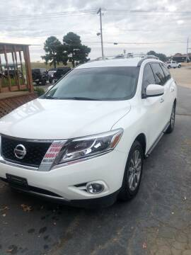 2016 Nissan Pathfinder for sale at BRYANT AUTO SALES in Bryant AR