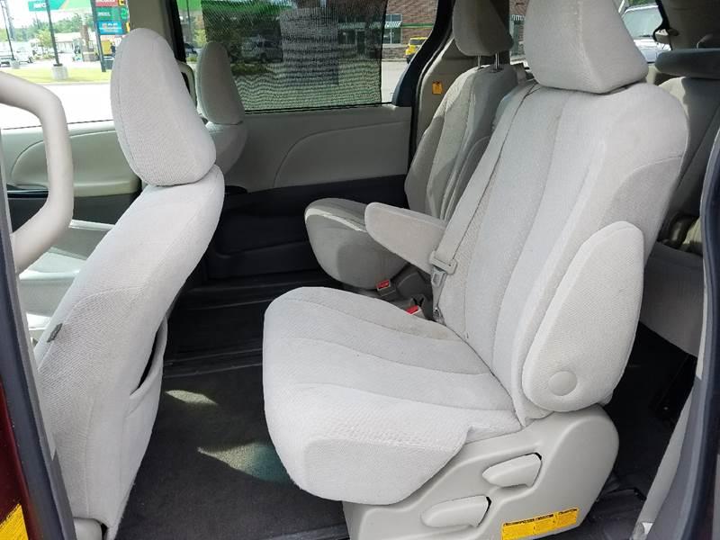 2011 Toyota Sienna LE 7-Passenger Auto Access Seat 4dr Mini-Van - Bryant AR