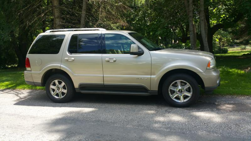 2005 Lincoln Aviator AWD Luxury 4dr SUV - Canton OH
