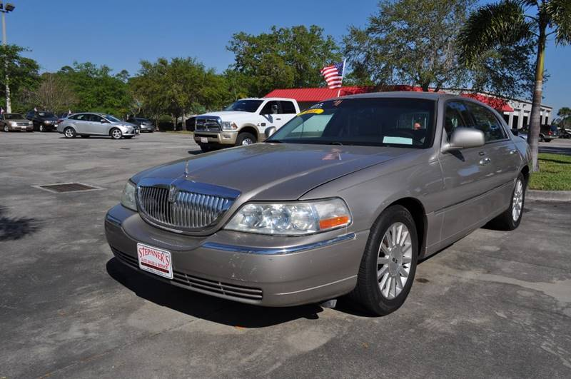 2003 Lincoln Town Car Executive 4dr Sedan In Vero Beach Fl