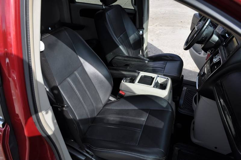 2013 Chrysler Town And Country Touring 4dr Mini-Van In Vero Beach FL