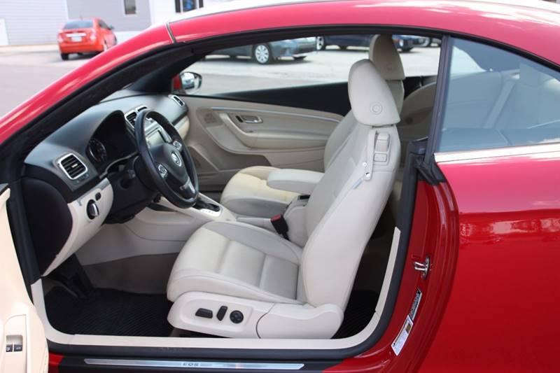2012 Volkswagen Eos Komfort SULEV 2dr Convertible - Clarksville TN