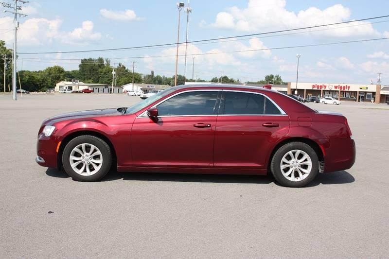2015 Chrysler 300 Limited 4dr Sedan - Clarksville TN