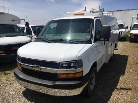 2017 Chevrolet Express Cutaway 3500 for sale at Church Street Auto Sales in Martinsville VA