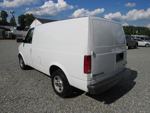 2003 GMC Safari Cargo