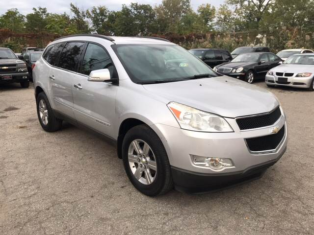 2009 Chevrolet Traverse for sale at Platinum Sales LLC in Hasbrouck Heights NJ