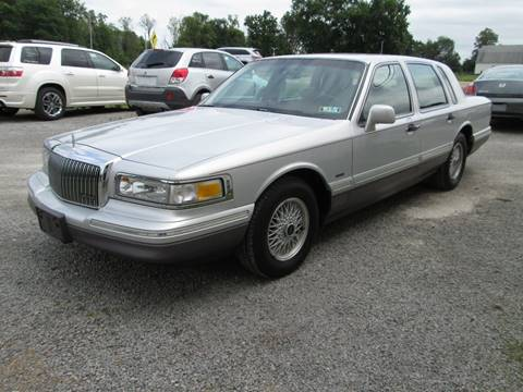 1995 lincoln town car	  1995 Lincoln Town Car For Sale - Carsforsale.com®