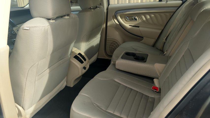2015 Ford Taurus SE Sedan 4D - Grand Island NE