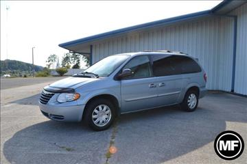 2005 Chrysler Town and Country for sale in Knoxville, TN