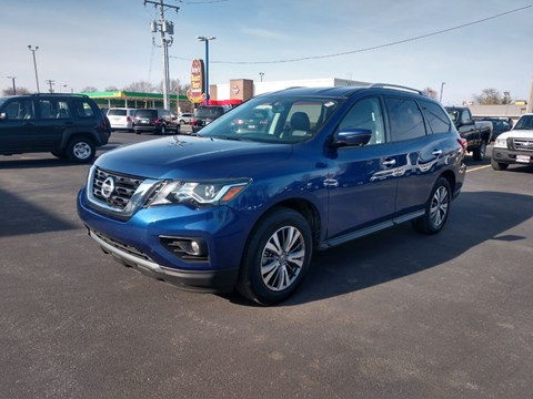 2019 Nissan Pathfinder SL for sale at CITY SELECT MOTORS in Galesburg IL