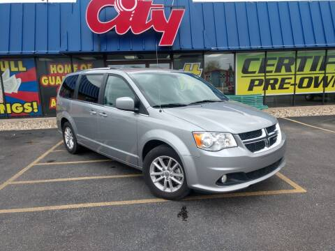 2019 Dodge Grand Caravan for sale at CITY SELECT MOTORS in Galesburg IL