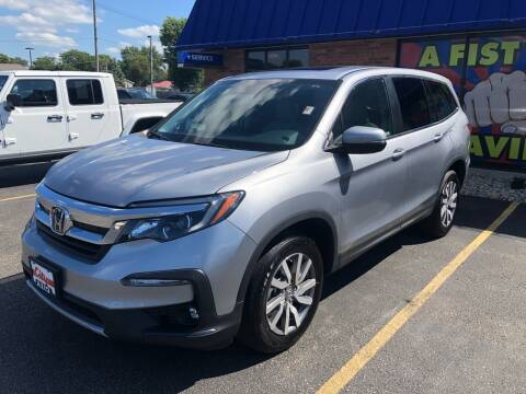 2020 Honda Pilot for sale at CITY SELECT MOTORS in Galesburg IL