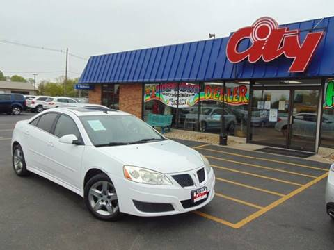 2010 Pontiac G6 for sale at CITY SELECT MOTORS in Galesburg IL