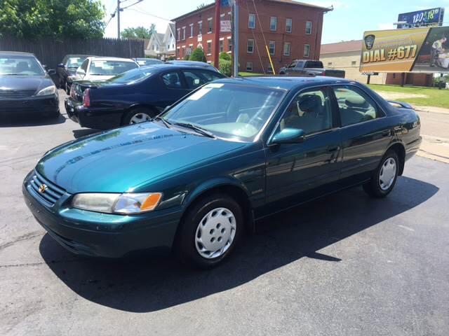 1997 Toyota Camry LE 4dr Sedan - Akron OH
