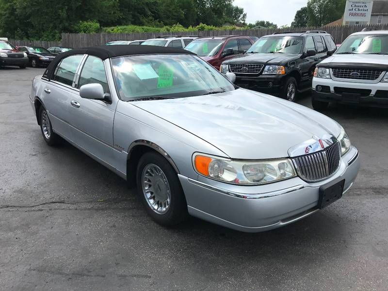 2002 Lincoln Town Car Cartier 4dr Sedan In Akron Oh North Hill