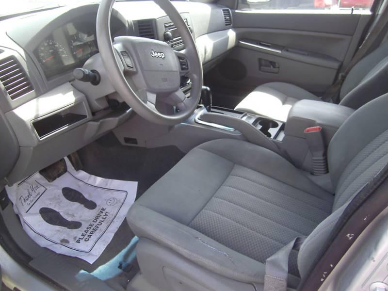 2005 Jeep Grand Cherokee 4dr Laredo 4WD SUV - Oskaloosa IA