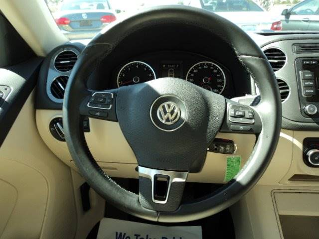 2012 Volkswagen Tiguan SE 4dr SUV w/ Sunroof and Navigation - Wake Forest NC