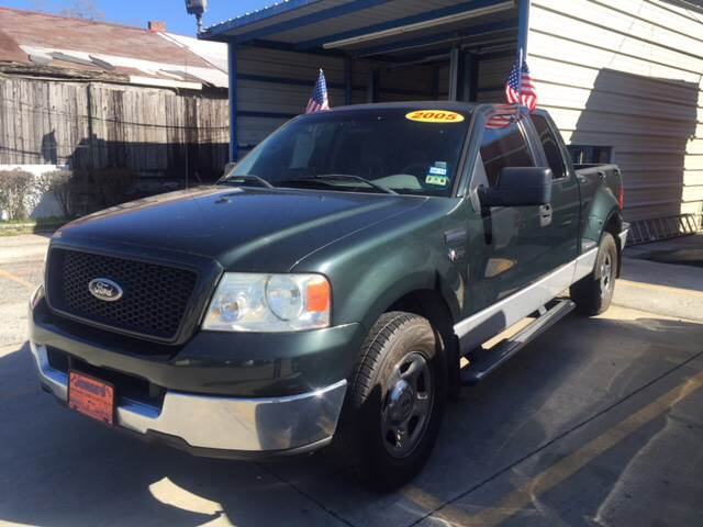 2005 Ford F-150 for sale at JORGE'S MECHANIC SHOP & AUTO SALES in Houston TX