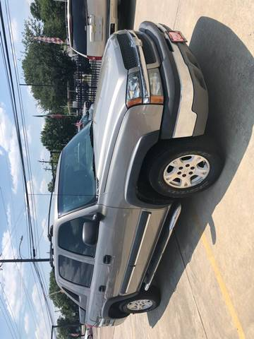 2003 Chevrolet Avalanche for sale at JORGE'S MECHANIC SHOP & AUTO SALES in Houston TX