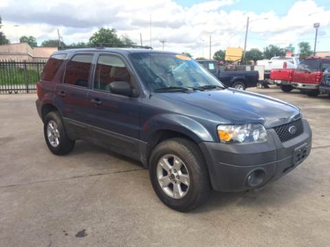 2006 Ford Escape for sale at JORGE'S MECHANIC SHOP & AUTO SALES in Houston TX