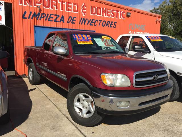 2001 Toyota Tundra for sale at JORGE'S MECHANIC SHOP & AUTO SALES in Houston TX
